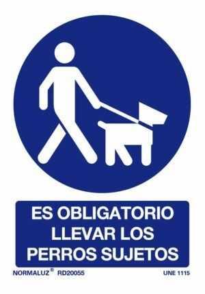 Es obligatorio llevar los perros sujetos