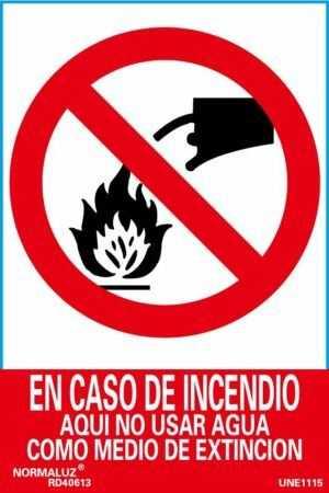 En caso de incendio aquí no usar agua como medio de extinción