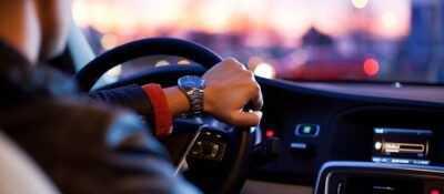 Reconocen como accidente laboral las lesiones de una operaria por conducir una furgoneta sin retrovisor ni ventanas traseras