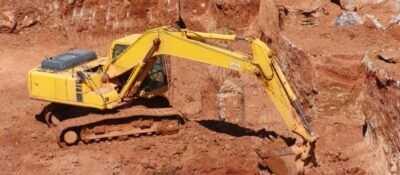 Un obrero fallece en Tarragona tras caerle encima una excavadora