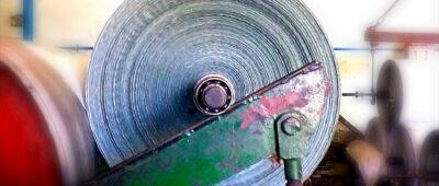 Muere un trabajador tras ser golpeado por varias bobinas de papel prensado de gran peso