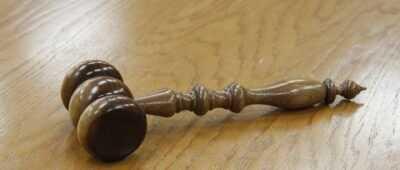 Condenado un matrimonio por poner a salvo sus bienes para no pagar a un trabajador que quedó parapléjico