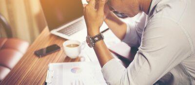 El estrés laboral es tan perjudicial como respirar el humo del tabaco