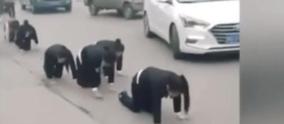 Humillante castigo de un empresario chino a trabajadoras que no cumplieron las metas