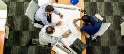 Nueva tendencia para combatir el sedentarismo: reuniones en movimiento